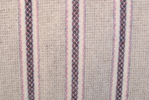 narrow_loom_with_pink_cream_blue_and_red_res_3