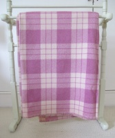 plum_and_cream_plaid_res_2