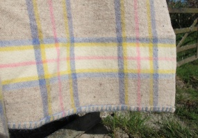 res_detail_of_blanket_stitch_on_pale_pastel_plaid