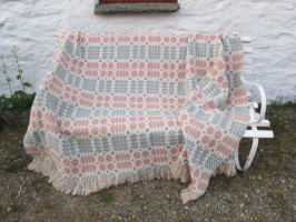 res_pale_side_of_tap_blanket