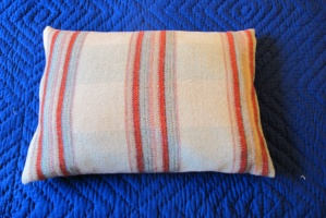 reznl_stripey_cushions_11